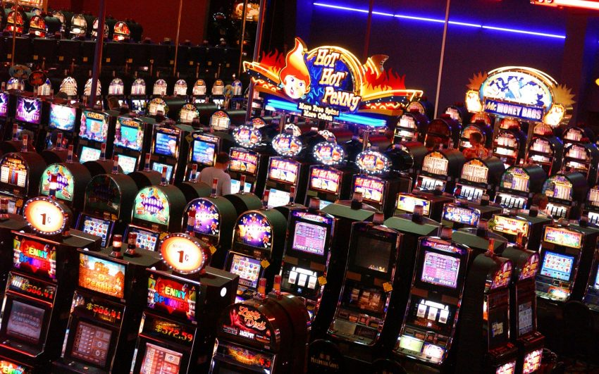 Advantages of Playing Slots Online